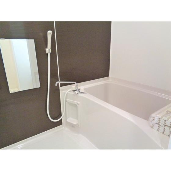 浴室乾燥・暖房機能付き!