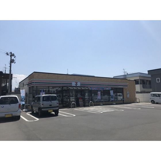 セブンイレブン弘前弘高下店