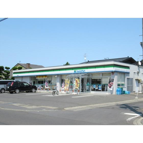 ファミリーマート弘前東城北店