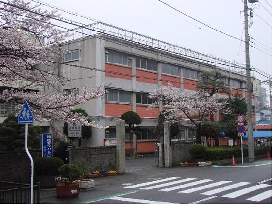 前橋市立桃井小学校