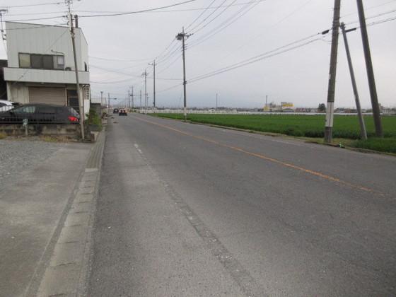 東側道路 約10m幅あります