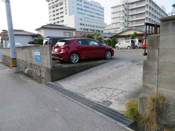 孝田町山本駐車場