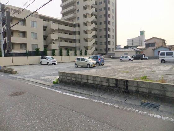 一番町友沢駐車場