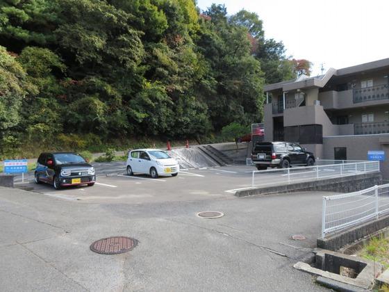 平原山本駐車場