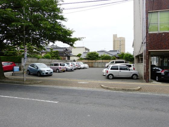 毛利町椎木駐車場