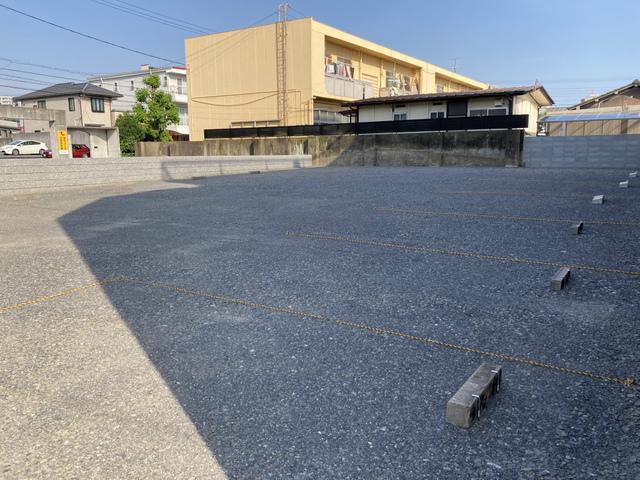 緑町村山駐車場